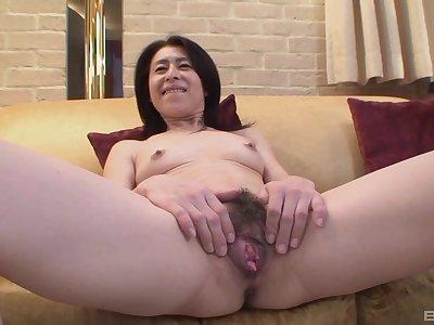 Mature asian Nobuko Tachikawa craving for hard and long friend's cock