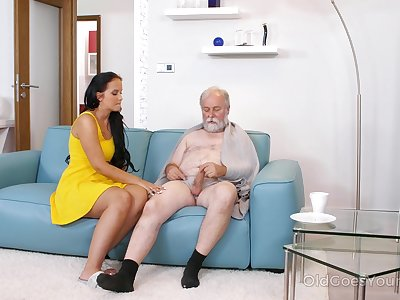 Young busty take charge of Jennifer Mendez gives a blowjob and titjob to team a few old man